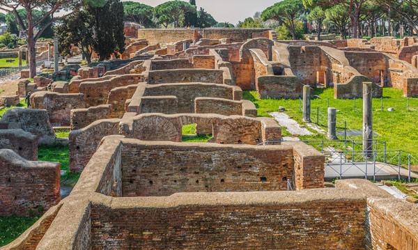 Городская структура Остии руины древний домов