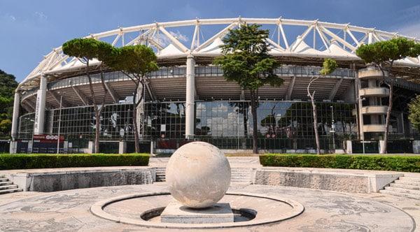 Олимпийский стадион в Риме снаружи