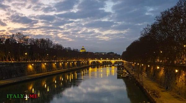 Вид с моста Сикста на Ватикан и купол святого Петра