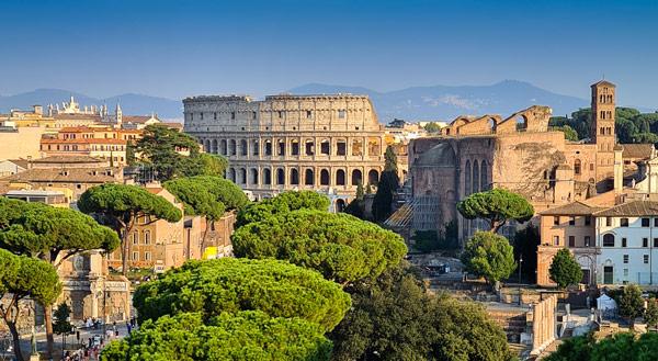 Колизей в Риме – достопримечательность района Монти