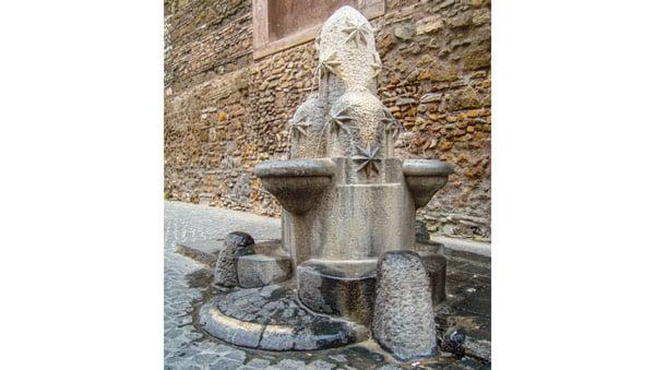 Фонтан Монти (Fontana dei Monti) в Риме