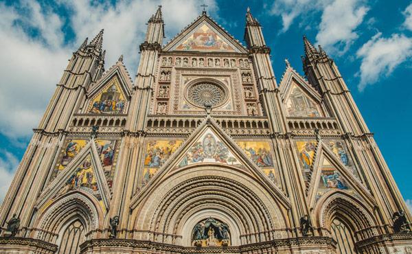 Фасад кафедрального собораОрвието Умбрия Италия