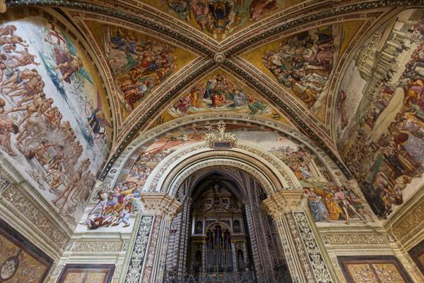 Фрески внутри кафедрального собораОрвието