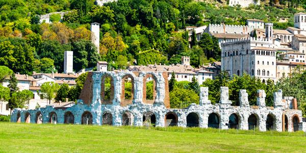 Римский Амфитеатр в городе Губбио Умбрия