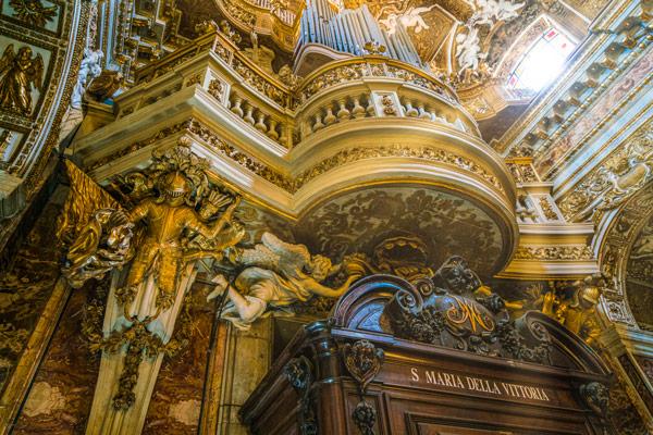 внутреннее убранство орган церковь Санта-Мария-делла-Виттория в Риме